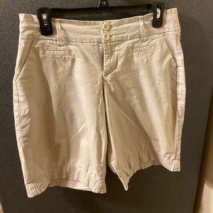 Lee Khaki/Bermuda shorts